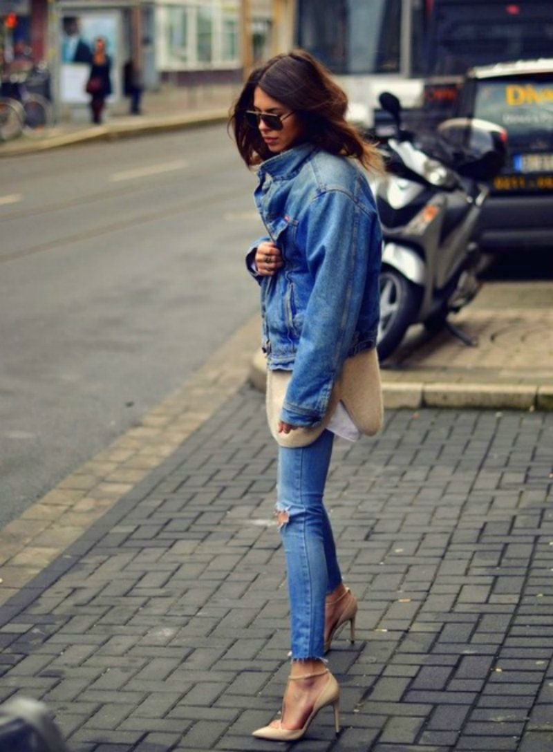 Nude knit and shoes w/denim