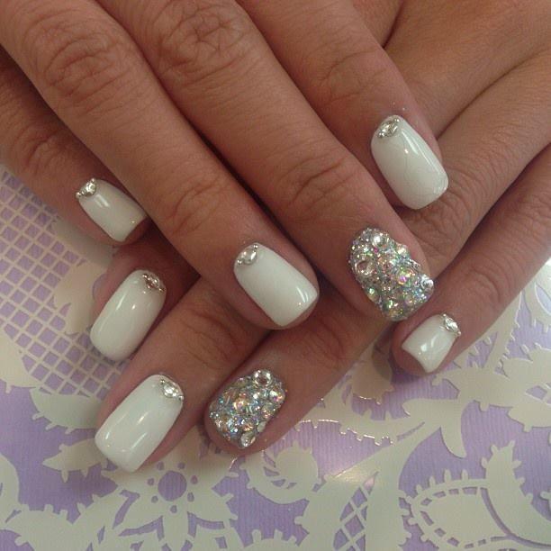 White Crystal Bling Nail Https Noahxnw Tumblr Com Post 160809286141 Natural Makeup Ideas Wedding Nails Glitter Diamond Nails Bling Nails