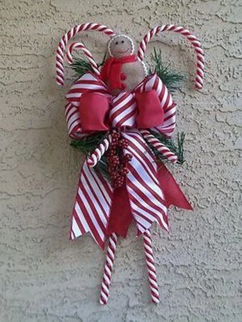 27 Amazing Candy Cane Crafts To Make Your Christmas Special — remajacantik Candy canes are to Christmas as pumpkins are to Halloween