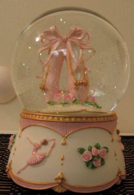 Ballerina Shoes Snow Globe