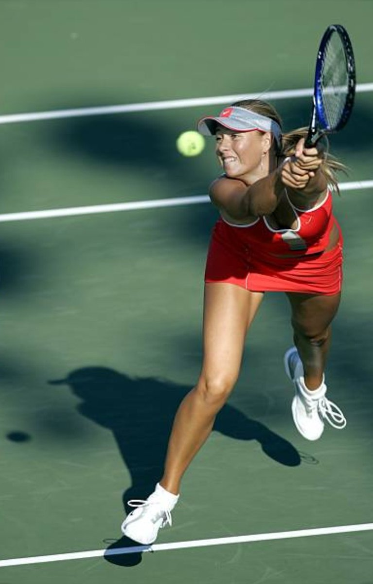(20) Sharapova News (NewsSharapova) / Twitter