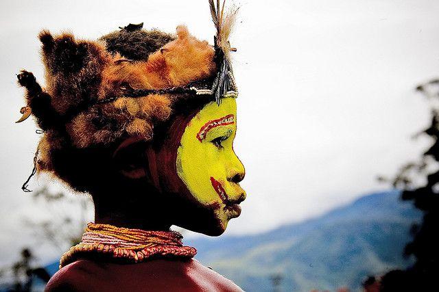 Huli baby  Papua New Guinea , Highlands, Mount Hagen festival singsing 4362 © Eric Lafforgue www.ericlafforgue.com