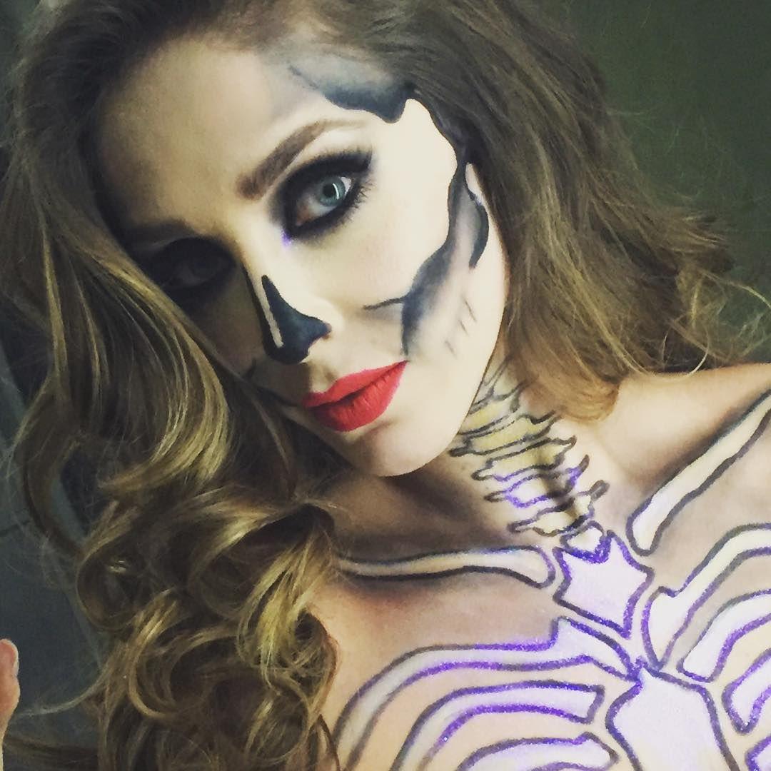Anahi Sex anahí em festa de halloween com amigas no méxico (31.10.15