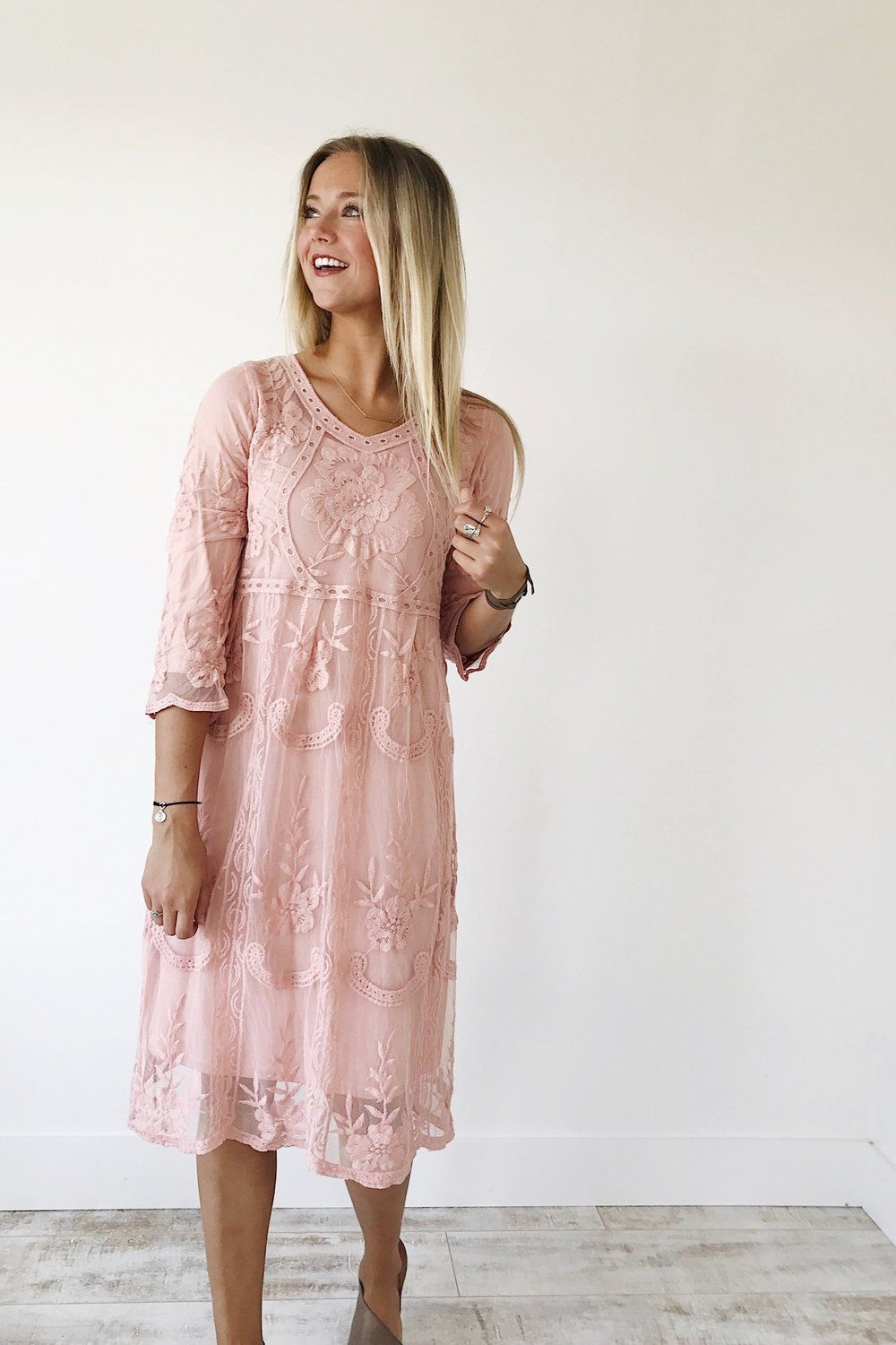 Nora Lace Dress in Mauve