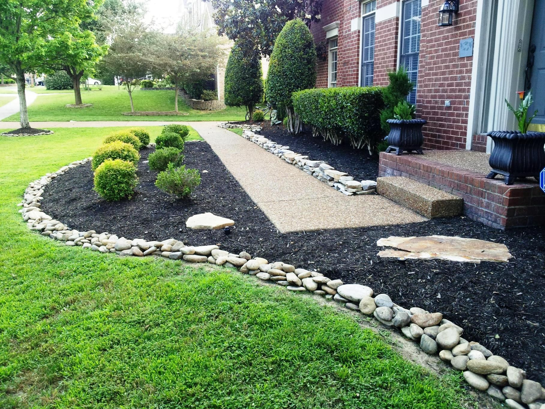 Ideas Home Design And Decor Types Of Red Rock Landscaping Ideas Stone Landscaping Landscaping With Rocks Mulch Landscaping