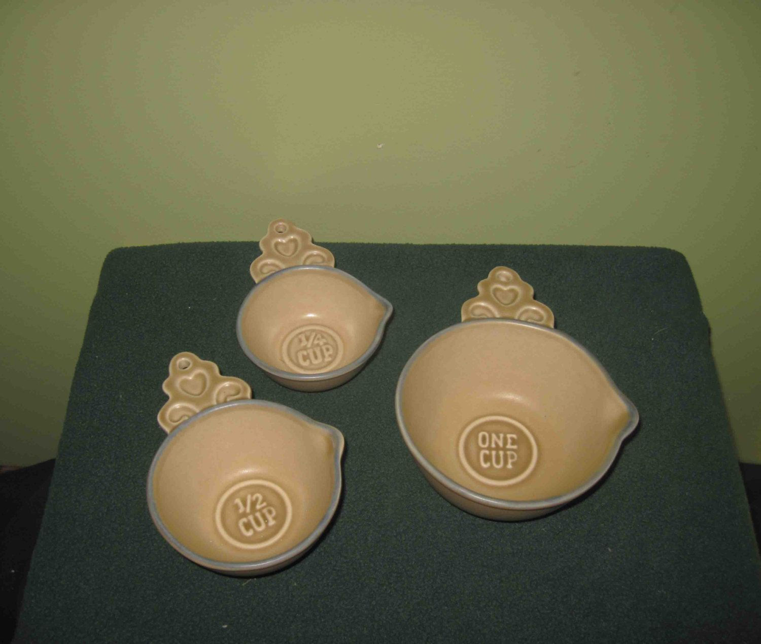 Pfaltzgraff Folk Art Measuring Cups 3 Pieces Set 1 Cup, 1/2 Cup And 1/4 Cup,Vintage by Incredibletreasures on Etsy