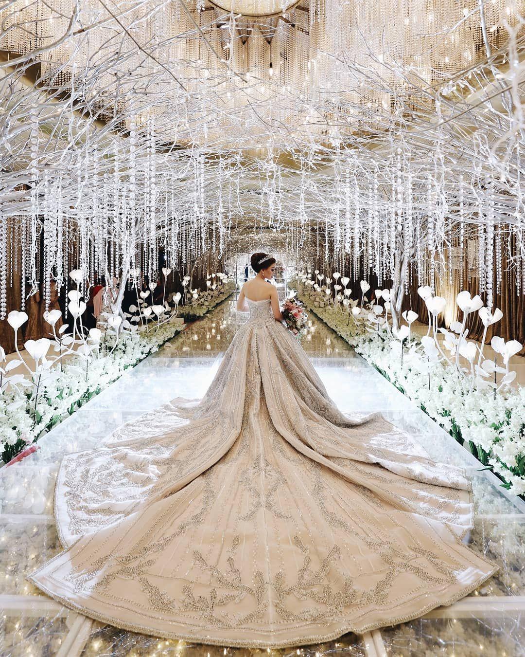 Happily Ever After Starts Here Courtesy Of Ryando Felicia Feliciagiovanni Ryando Alternative Wedding Dresses Wedding Dresses Wedding Dress Alterations [ 1350 x 1080 Pixel ]