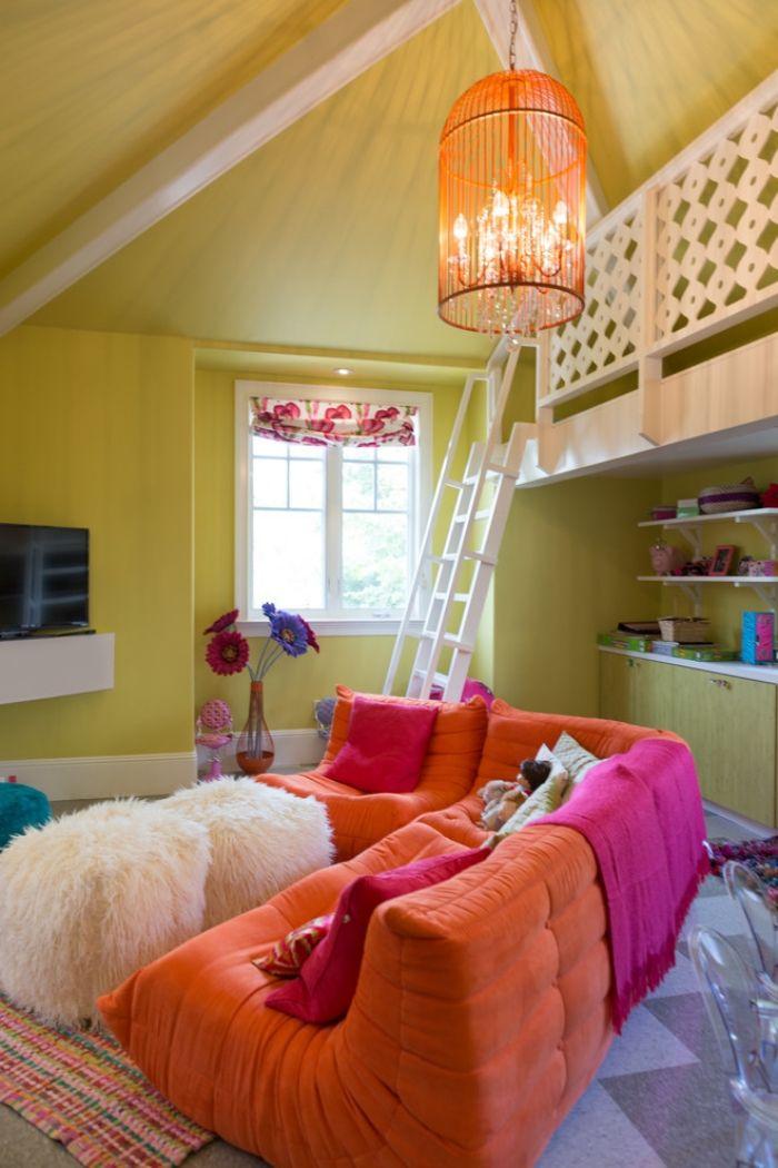 Jugendzimmer Mit Dachschräge Sofa Set Bunte Farben Hochbett Wände Gelbgrün