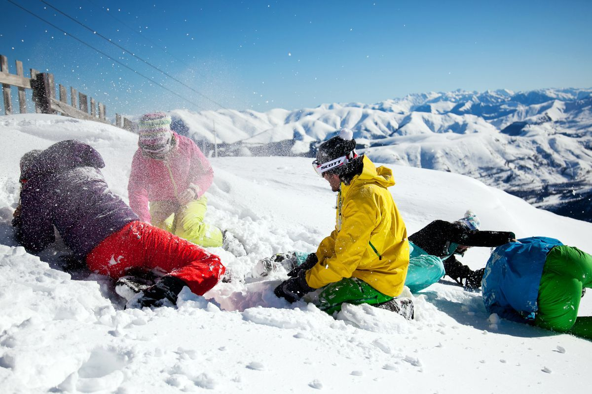 Especial 16 Estaciones De Esquí Con Niños Y Dónde Alojarse Estaciones De Esqui Esquí Hotel De Montaña