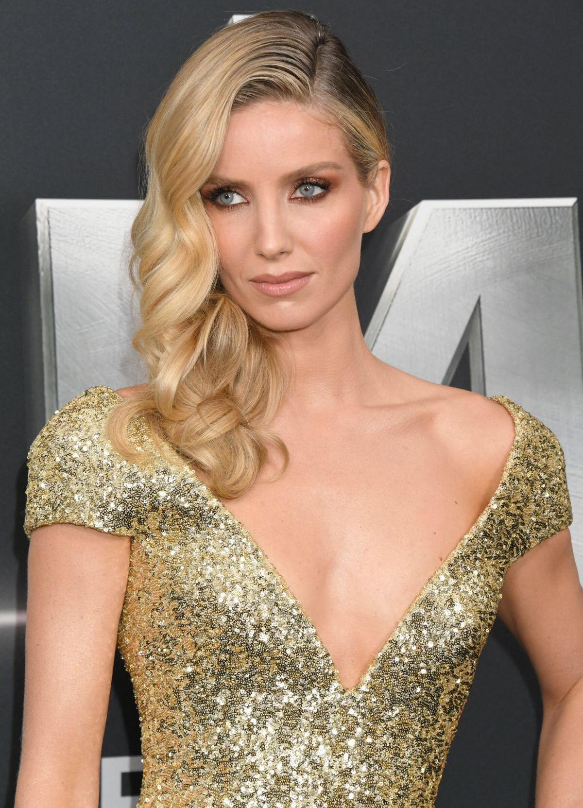 Celebrites Annabelle Wallis nude photos 2019