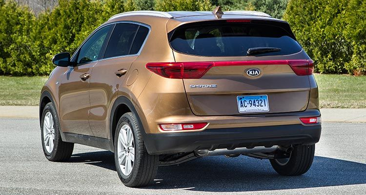 2017 kia sportage turns heads among small suv shoppers kia sportage. Black Bedroom Furniture Sets. Home Design Ideas