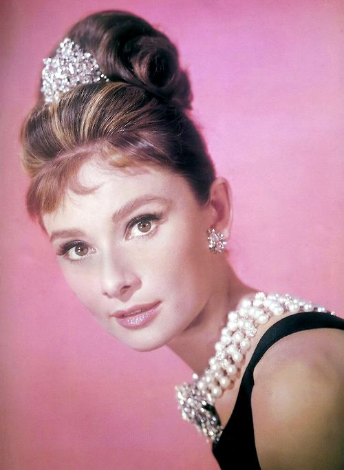 Audrey Hepburn in a publicity photo for Breakfast at Tiffany´s (1961 ...