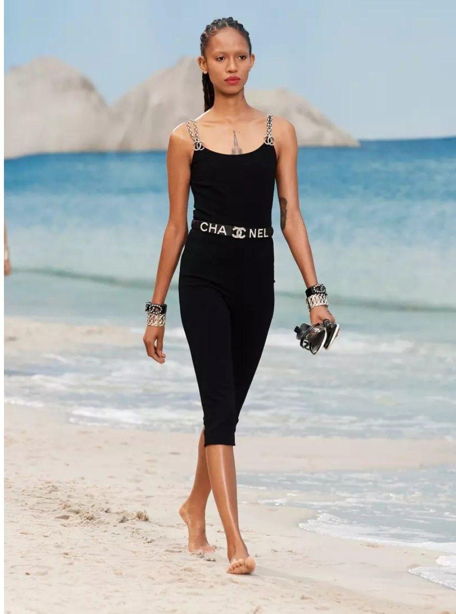 3d45c23c56c6 Interesting. Chanel ss19 | strike a pose | Chanel spring, Fashion ...
