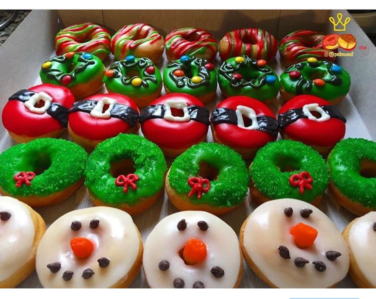 Xmas Donuts Ideas By Petisweet Christmas Donuts Holiday Donuts Fancy Donuts