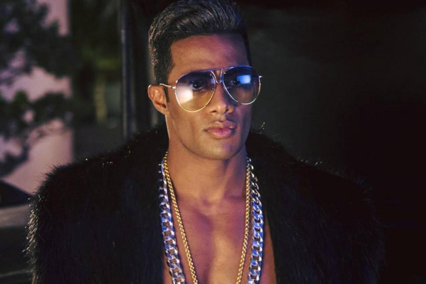 محمد رمضان أنا خدت كل الساحة ماسبتش متر فاضل Mens Sunglasses Sunglasses Men