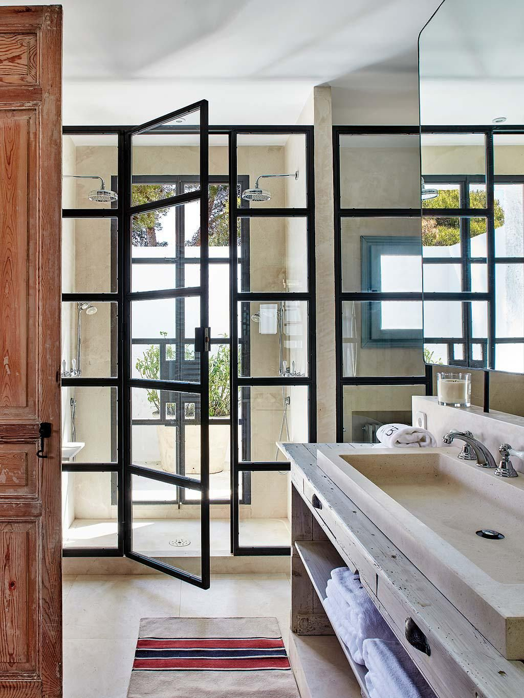 Une maison andalouse      l allure gaucho   PLANETE DECO a homes world     house in Cadiz  Andalusia   interior designer Luisa Olazabal
