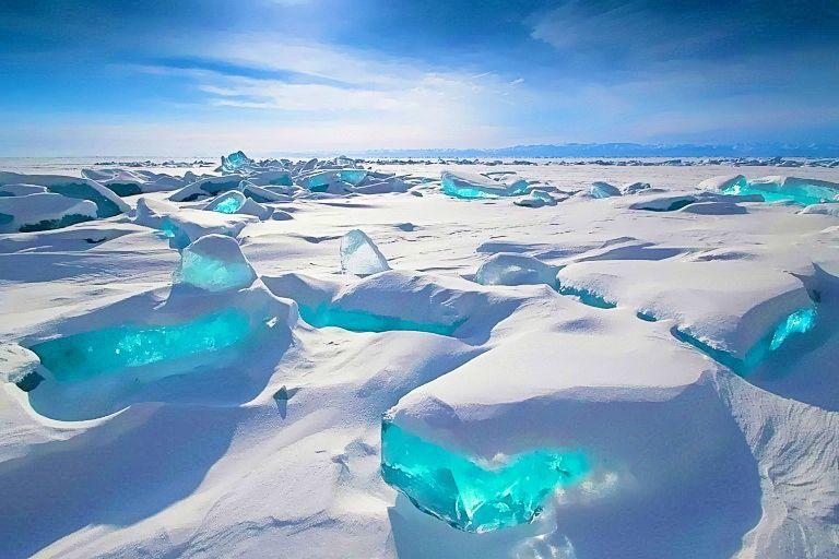 世界遺産】この絶景やばすぎ。世界一の透明度を誇るバイカル湖は凍っ ...