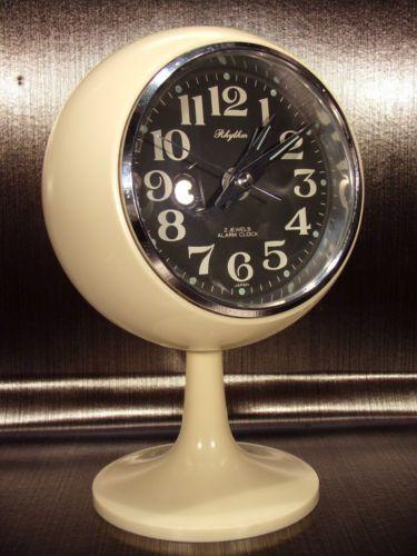 Rhythm-clock-alarm-ivory-tulip-reveil-tulipe-ivoire-space-age-70-039-s-vintage