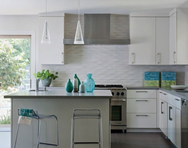 Perfect White Kitchen Backsplash Design Idea for Your Kitchen with