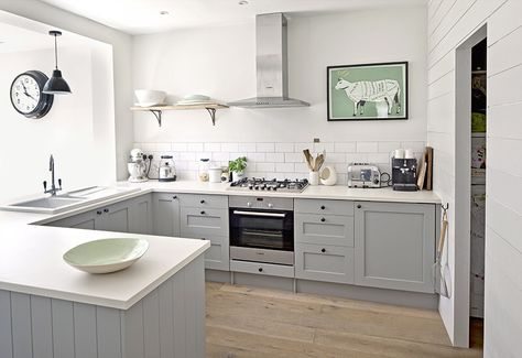 Image From Http Www Kitchensourcebook Co Uk Wp Content Uploads 2015 08 Daines Kitchen Niall Mcdiarmi Kitchen Layout Grey Kitchen Walls Kitchen Designs Layout