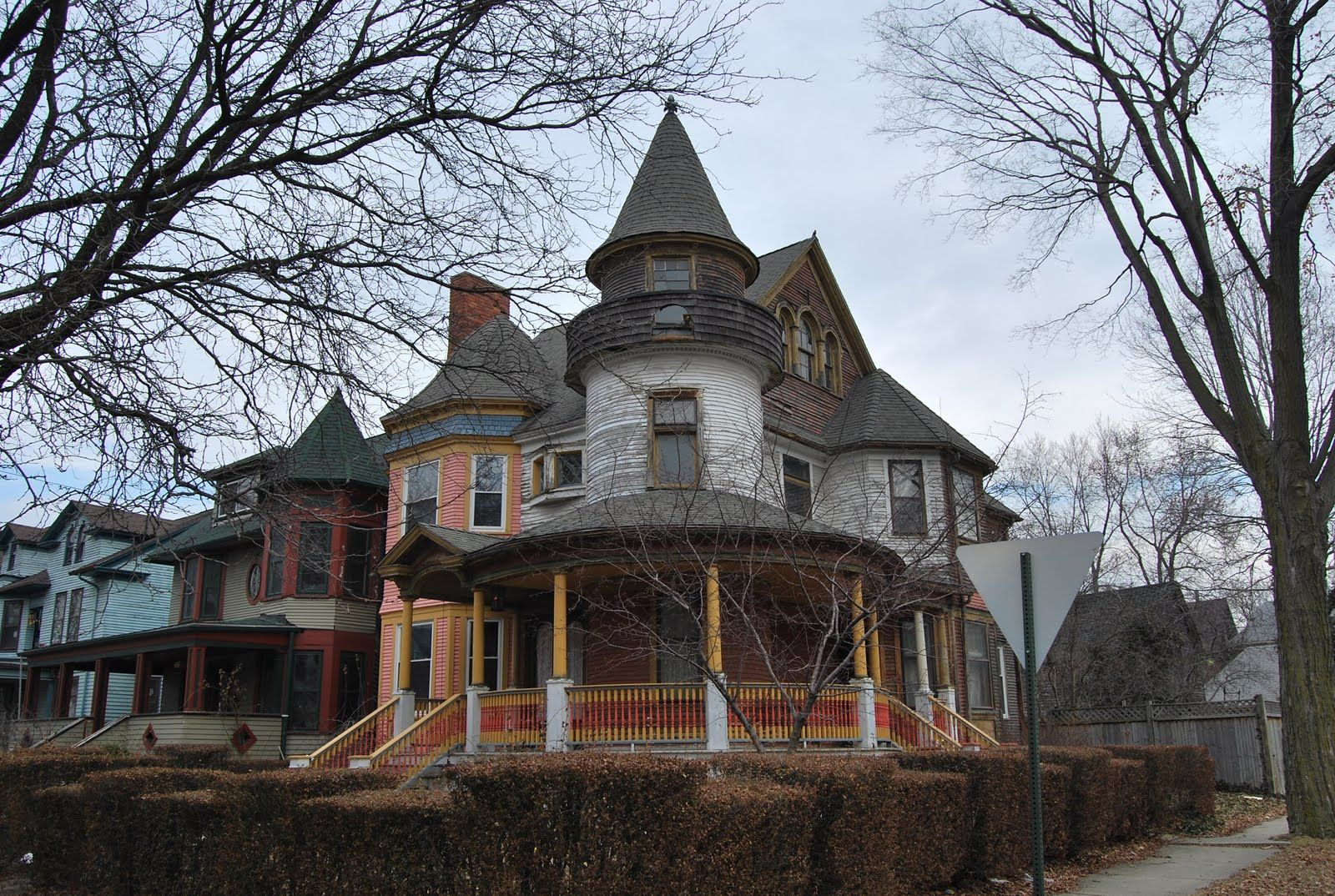 Inside Old Abandoned Mansions | Historic Detroit, West Canfield, the