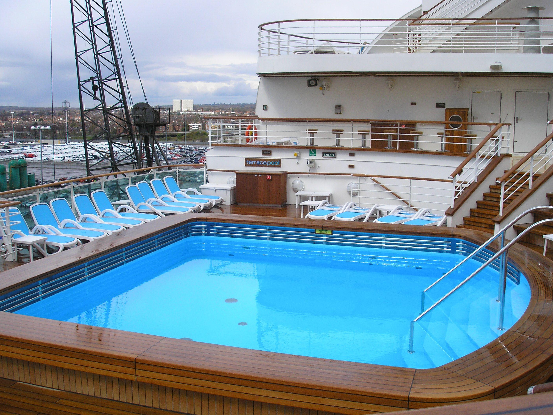 Terrace pool ventura p o cruises p o cruises for Pool design ventura