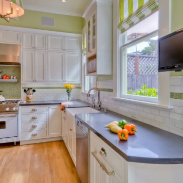 Kitchen Tiles Colour Schemes: Backsplash And Green Paint To Work With Blue Countertops
