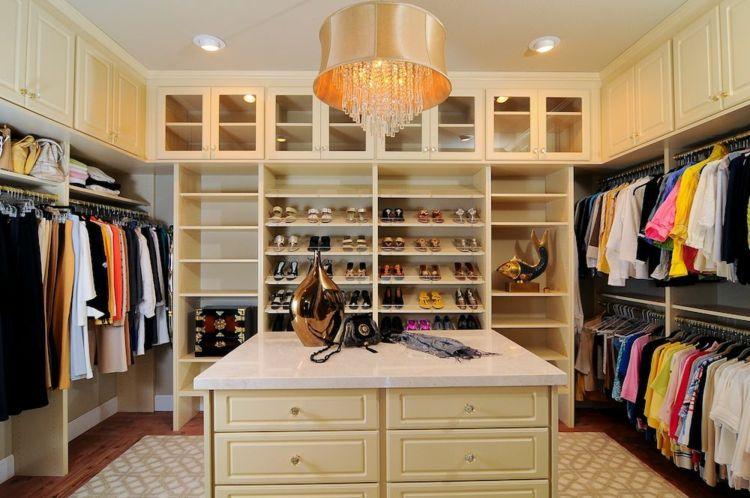Ordnung im Kleiderschrank - 40 Tipps zum optimalen Einräumen ...