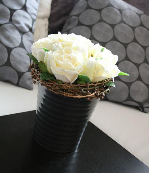 Aranžmá s růžemi a tulipány - na přání