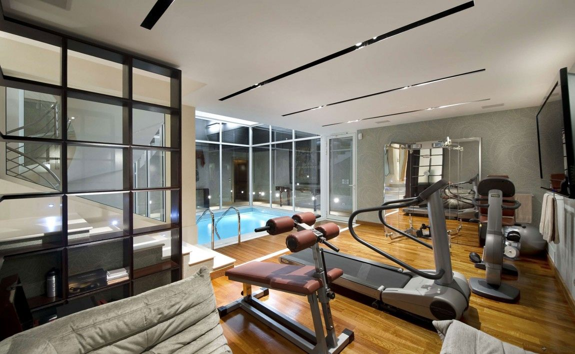Luxury Villa on Cap Ferrat, Côte d'Azur Home gym (with all Life ...