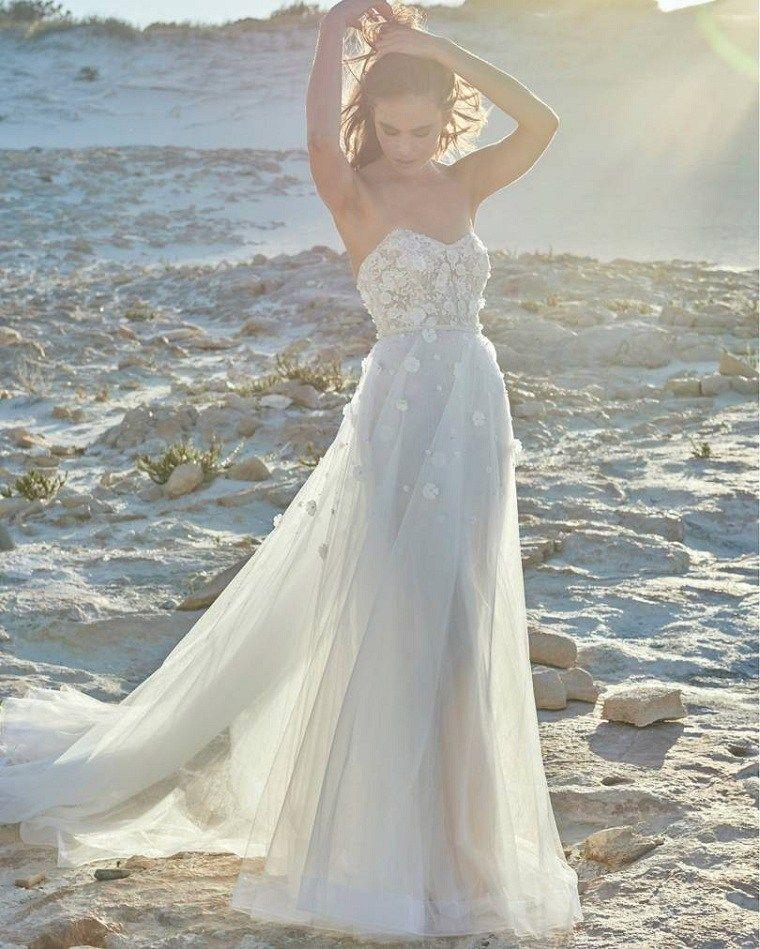 Vestidos De Novia Modernos Las Mejores Ideas Para Una Boda En La Playa Nuevo Decoracion Wedding Dress Necklines Wedding Dresses Modern Wedding Dress