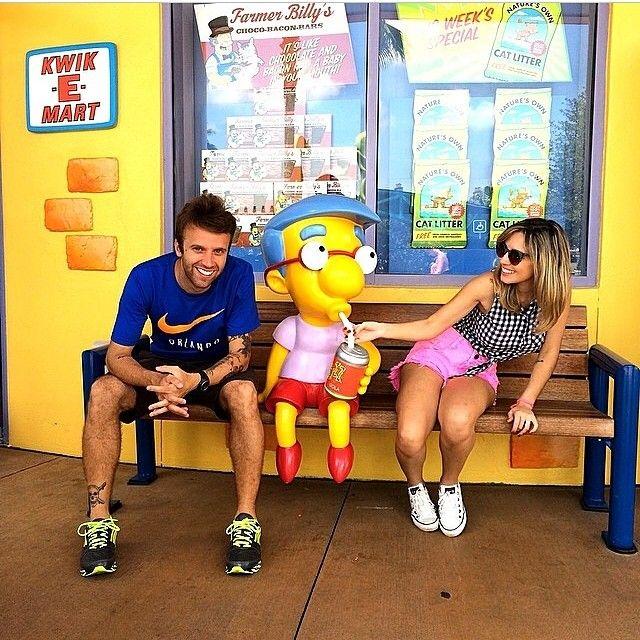 Saiu o 2º vlog dos parques de Orlando- Universal Studios (um dos meus prediletos), bora assistir?? www.youtube.com/barbiepahetaci ❤️