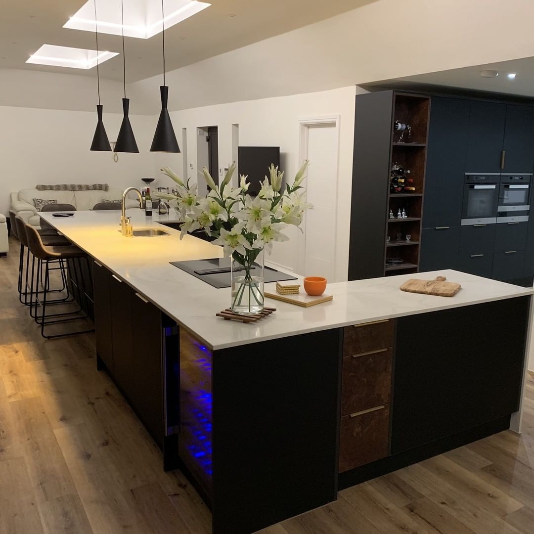 Wren Kitchens On Instagram For Those With A Big Space An Island Can Bring A Room Together And Create A Real Social Hub Like Wren Kitchen Kitchen Home Decor