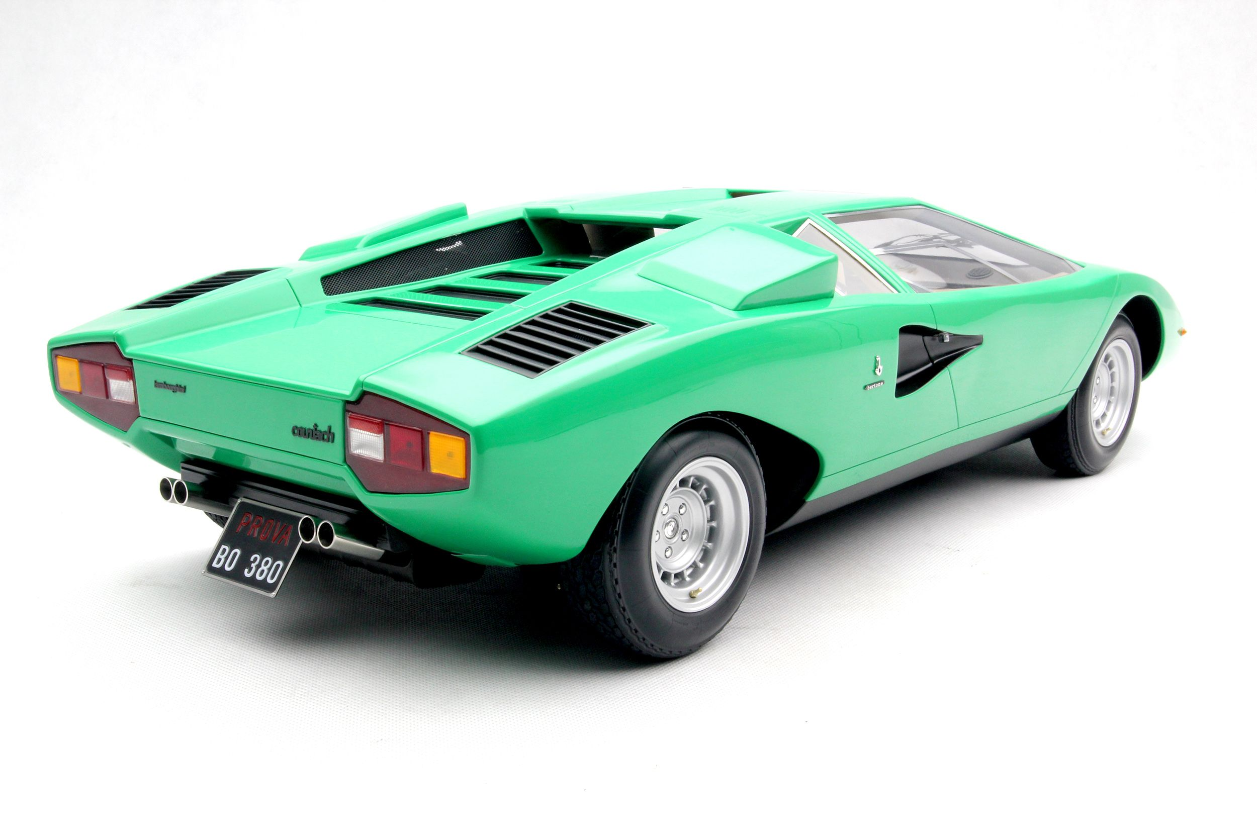 #Lamborghini #Countach GREEN