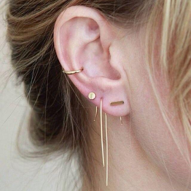 Trou boucle d'oreille noir