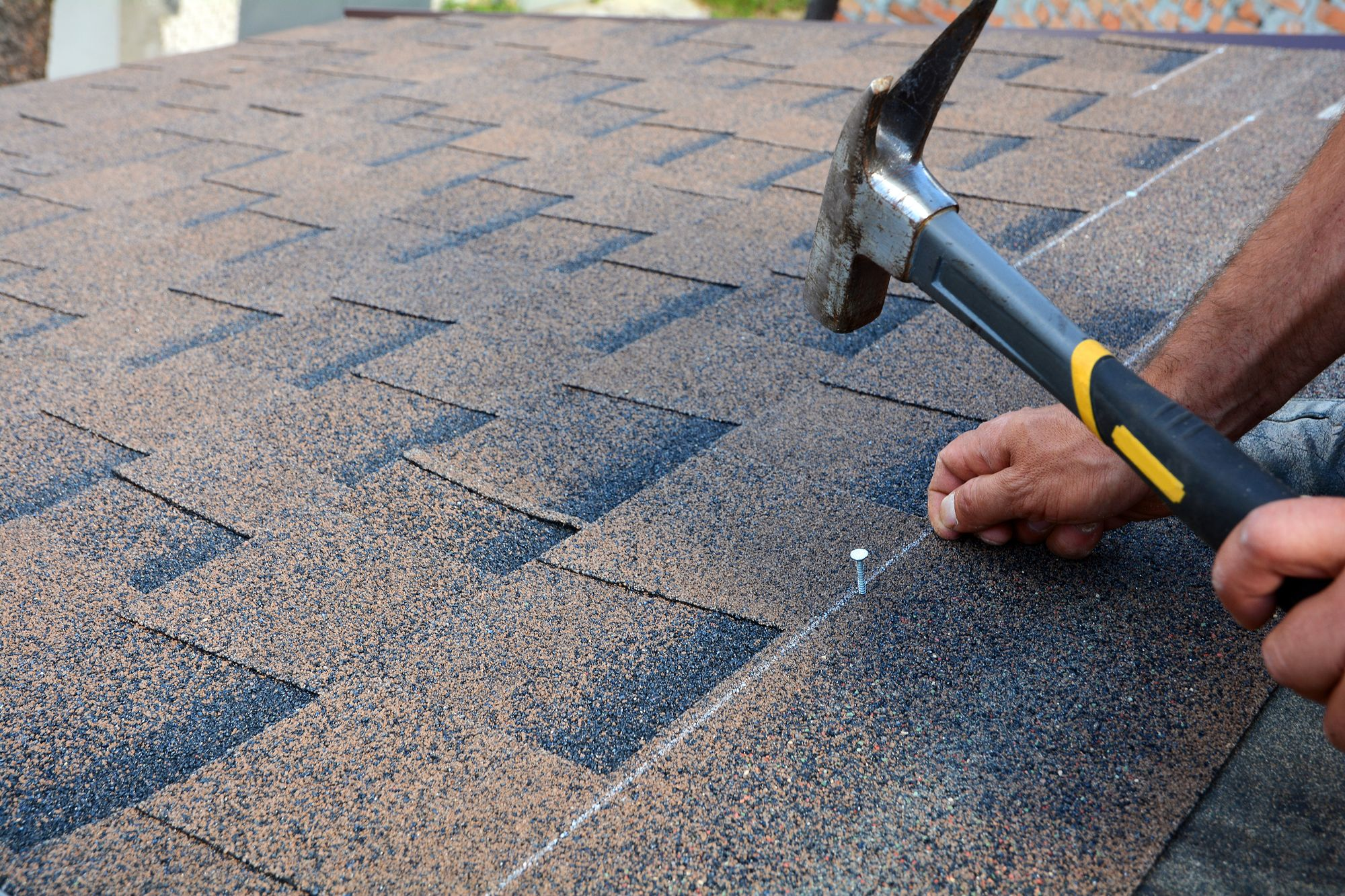 What Are Roof Shingles Made Of Https Jdtconstructionllc Com What Are Roof Shingles Made Of Roof Shingles Bitumen Roof Solar Installation