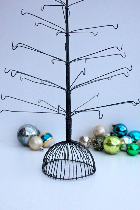 Wire Christmas Tree.Vintage Wire Christmas Tree Unusual Christmas Trees