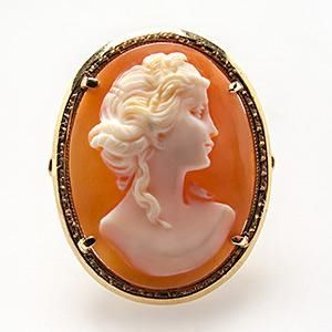 SHELL MAIDEN CAMEO COCKTAIL RING DETAILED 14K GOLD