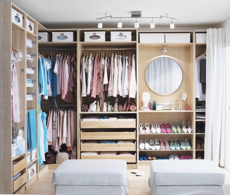 dressing d 39 angle ikea homee in 2018 pinterest walk in closet closet and ikea wardrobe. Black Bedroom Furniture Sets. Home Design Ideas