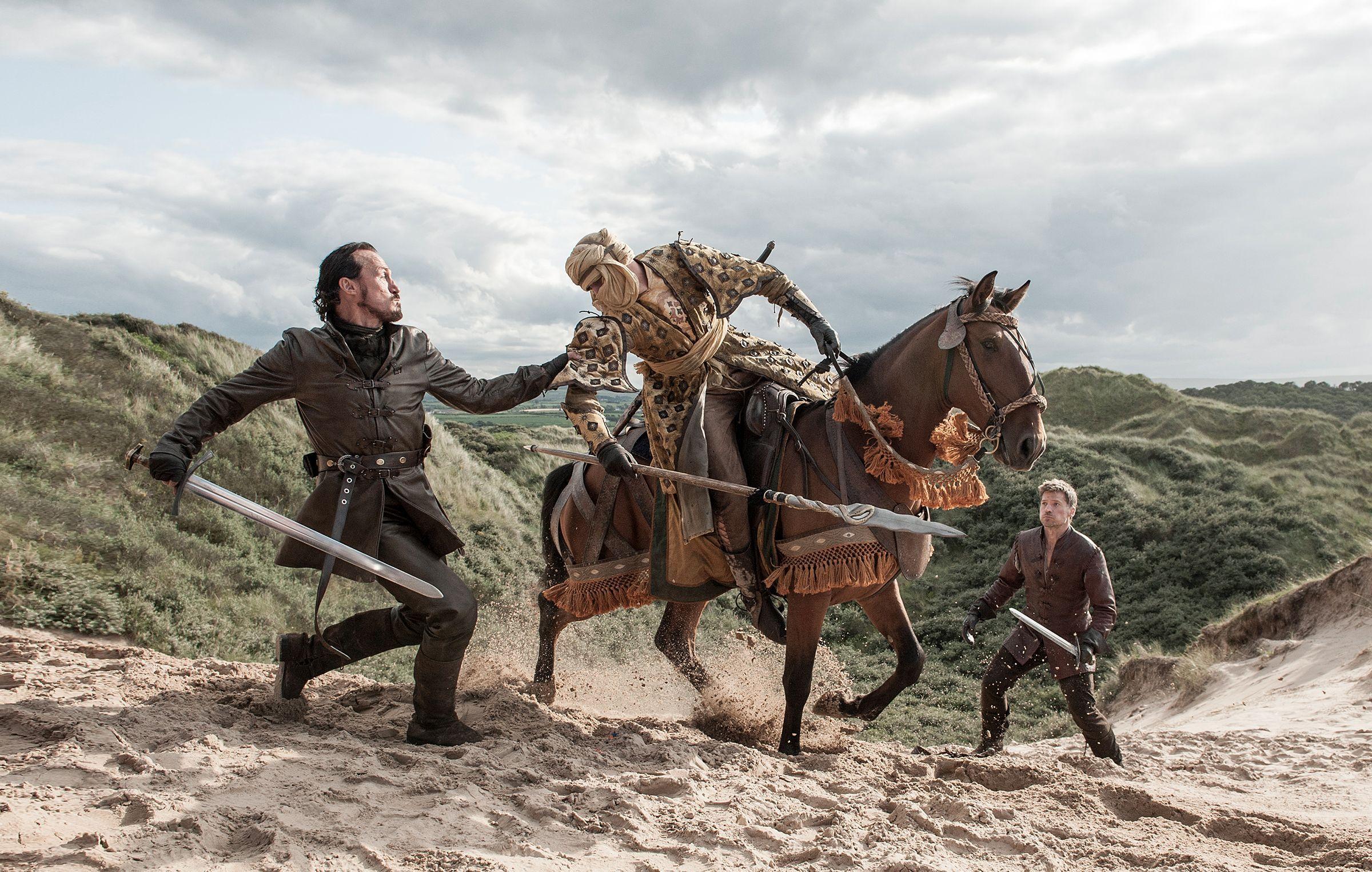 Daenerys targaryen, Winter is coming and Cosplay costumes