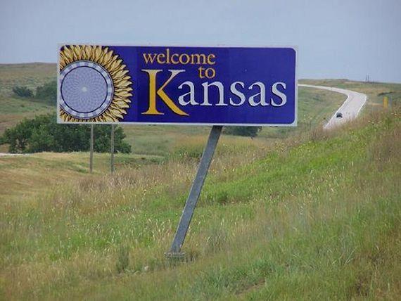 50 Welcome Signs From 50 States Jetsetta State Of Kansas Kansas Travel Fun