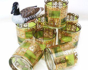 MAMi cuando te cases de estos vasos yo los quiero!