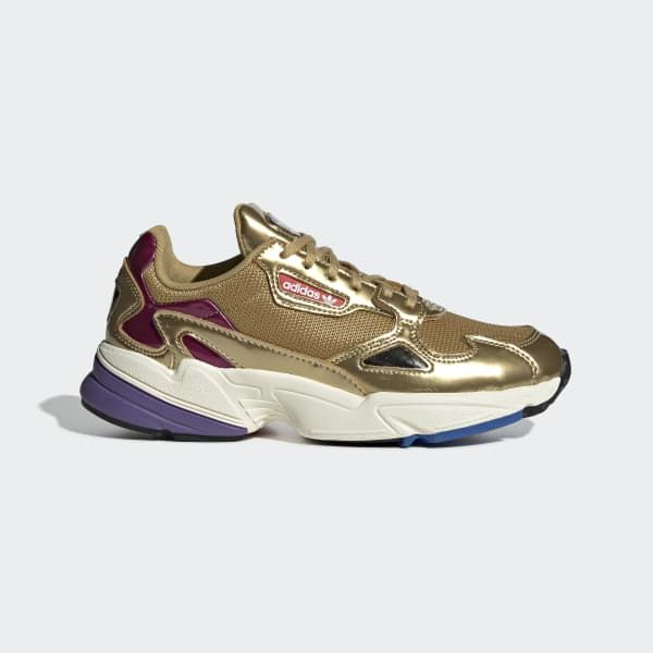 adidas Falcon: 90s Inspired Shoes & Clothing adidas US Min stil i 2019 Gold adidas, Shoes, Sneakers