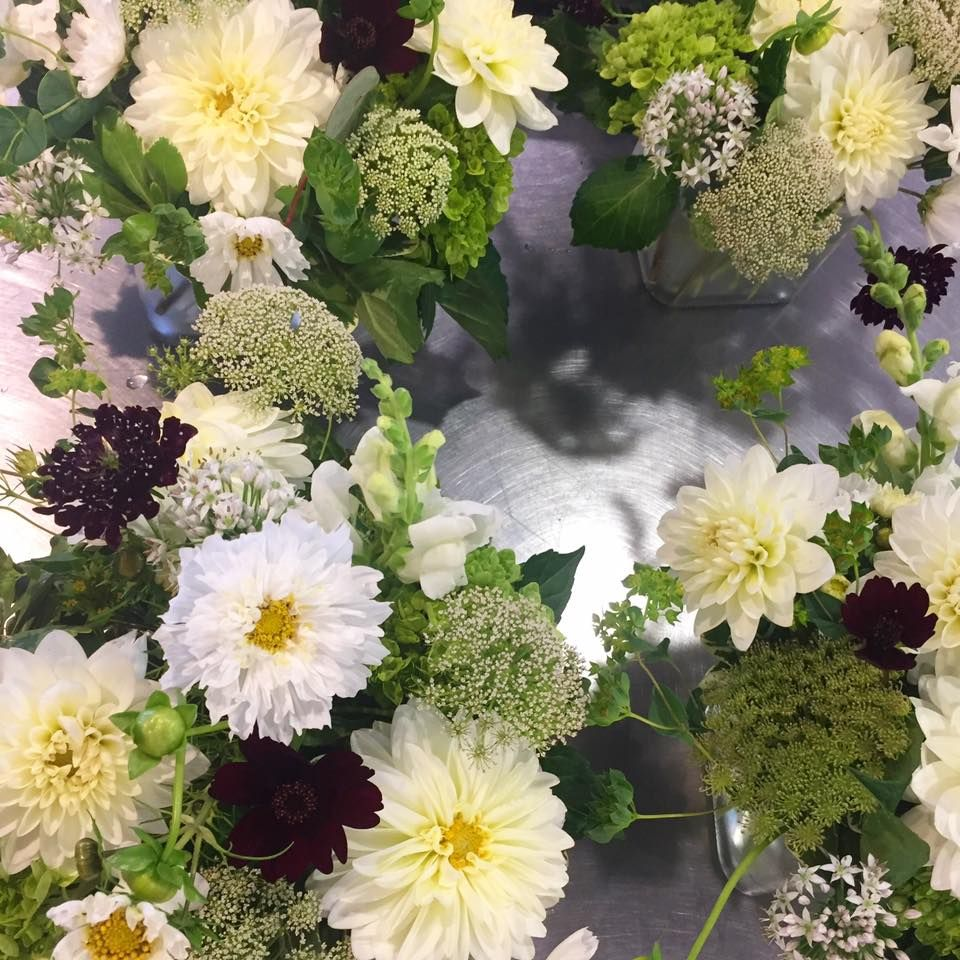 Celebrity Wedding Flowers Centerpieces: Pin By In Full Bloom On Bouquets