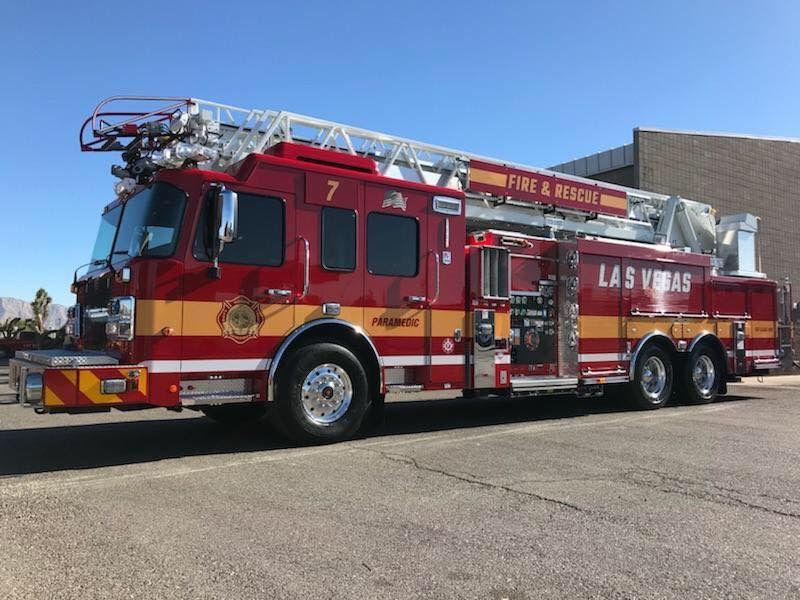 Las Vegas (NV) Fire & Rescue Truck 7 Pierce Fire trucks