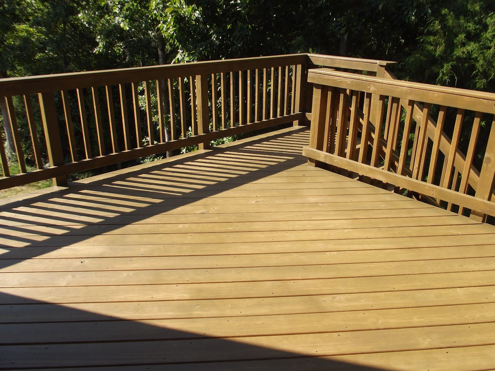 Composite Decking Rotherham Material For Deck That Looks Like Wood Decking Plans At Wickes Staining Deck Deck Stain Colors Deck Colors
