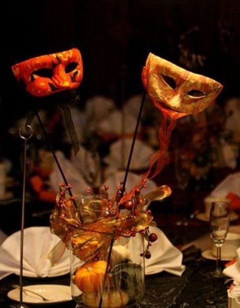 31 beautiful halloween wedding centerpieces weddingomania - Halloween Wedding Centerpieces