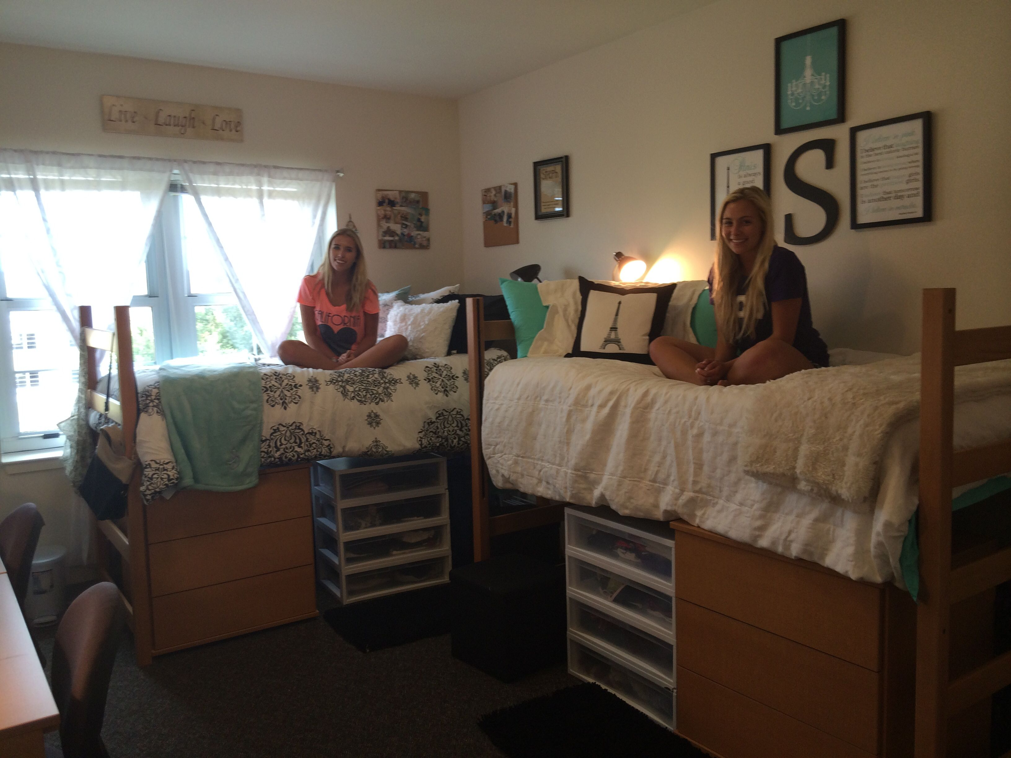Organized and spacious dorm room. Tcu Sherley hall | Dorm ...