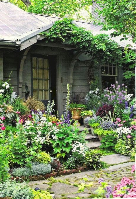 Lovely 20+ Cottage Style Landscaping Ideas To Enhance Your Front
