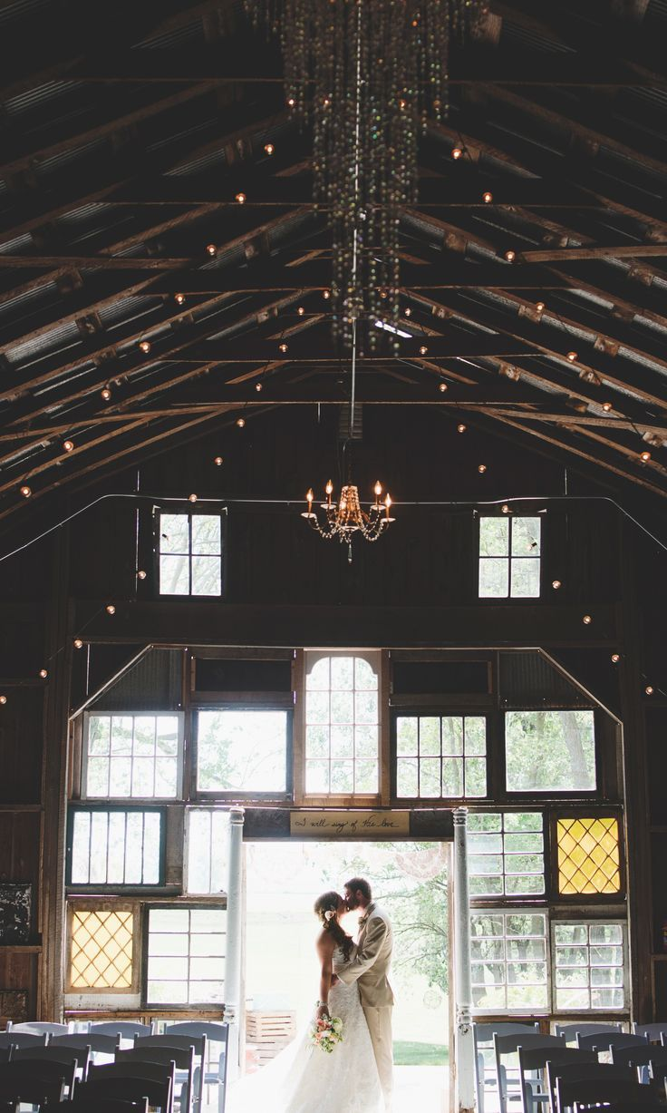 Pin By Better Off Wed On Wedding Day Barn Wedding Photography Barn Photography Barn Wedding